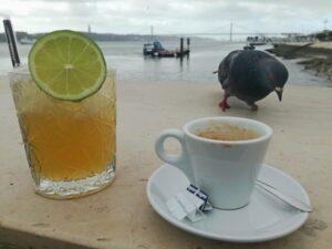 Kawiarnia Ribeira das Naus z najpiękniejszym widokiem na rzekę, Lizbona 2019/ Café da Ribeira das Naus com a mais bela vista para o rio, Lisboa 2019